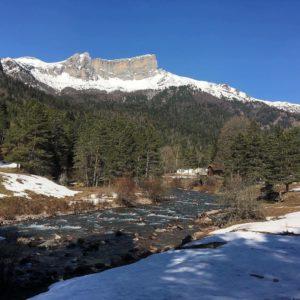 Selva De Oza  #selvadeoza #valledehecho #pirineos #aragon #miraragon #invierno #trekking #casabiescas #turismospain #love #viajar #vacaciones #pyrenees #montaña #rinconesdelpirineo  Foto gracias a @luisvi71