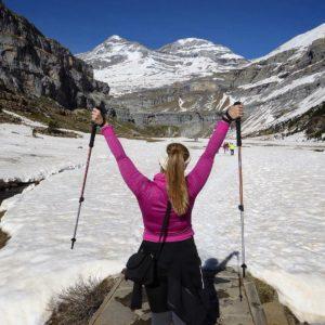 Deja que la vida te sorprenda... ¡Gracias #MontePerdido por sorprenderme con tanta #belleza!  #buscandolabelleza #miraragon #trekking #casabiescas #senderismo #nieve #puravida #relax #sinfiltros #running #ruta #nieve #rinconesdelpirineo  Foto gracias a @jessicajorge