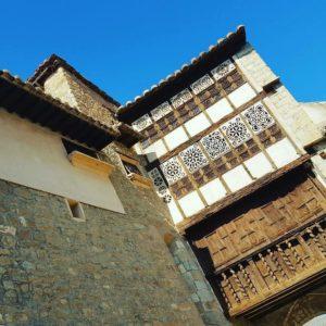 Uno de los rincones más bellos del Maestrazgo turolense.  #Mirambel #PortaldelasMonjas #Teruel #Maestrazgo #MirAragon #spain  Foto gracias a @iri_tourguide