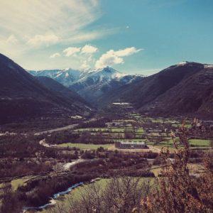 Descubre Broto, Spain  #pirineos #broto #miraragon #casabiescas  Foto gracias a @dani_ket
