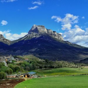 Escalona, Aragon, Spain  #peñamontañesa #mountains #miraragon #casabiescas #escalona  Foto gracias a @fcomadran