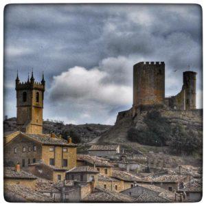 Me encanta ese pueblo.  #uncastillo #cincovillas #zaragoza #miraragon #pueblosmagicos  Foto gracias a @alyserand #repost