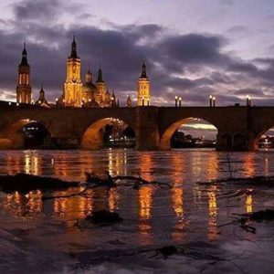 Zaragoza  #miraragon #zaragoza #elpilar  Foto gracias a @magallonera #repost