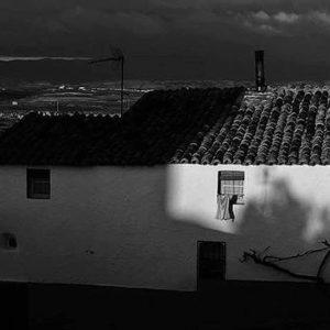 Una casa de mi pueblo.  #turismodearagon #pueblosdearagon #miraragon #casabiescas #casaconencanto #nature #desconectar #viajar  Foto gracias a @magallonera #repost