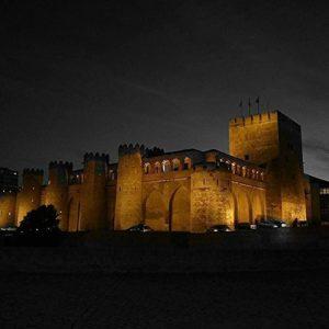 ¡Buenas noches! #aljaferia #zaragoza #miraragon  Foto gracias a @letratouille #repost