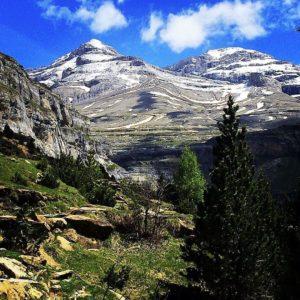 Ordesa y Monte Perdido National Park  #spain #aragon #casabiescas #ordesa #pirineos #MirAragon  Foto gracias a @fishka_n #repost