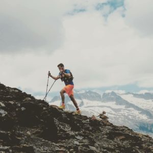 """Contigo aunque me pierda, contigo aunque me duelas, contigo aunque me cueste amor  soltar mi cable a tierra""  #trainning #pyrenees #valledebenasque #casabiescas #MirAragon  Foto gracias a @rubenrod_88 #repost"