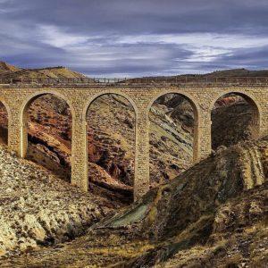Los colores de las margas del Puente minero  #miraragon #puente #history #puenteminero #teruel #teruelexiste #igersteruel #viajar #estaes_teruel #naturaleza #naturaleza_aragon #total_aragon_ #estaes_aragon  #igersaragon #casabiescas #estaes_espania #ok_spain  #be_one_spain.  Foto gracias a #Repost @agonfra