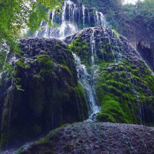 A veces no hace falta irse lejos para encontrarse.??. ?? Gracias @alaalturadetucintura  por tu preciosa foto #repost , os invitamos a visitar su galería. . . · ?? Síguenos y etiqueta tus fotos con el hashtag @miraragon . . . · ?? Monasterio de Piedra  #rinconesdelpirineo  #instaordesa  #pirineos #valledetena  #pyrenees  #lovemountains #pirineoaragones  #naturaleza  #nature  #casabiescas #igersordesa  #miraragon  #igersformigal  #igersvalledetena  #igersguara #desconectar #aragón  #monasteriodepiedra #zaragoza #aragon #igers  #landscape #summer #trip #travel #water #nature_lovers #vsconature  #aroundtheworld