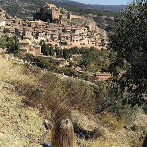 Alquezar - Aragón - ???? ? ? ? ?? Gracias @raquelrm7 as por tu preciosa foto #repost os invitamos a visitar su galería. ? ? ? ?? Síguenos y etiqueta tus fotos con el hashtag @MirAragon . . . · ? ? ? ?? Huesca ? ? ? #rinconesdelpirineo  #instaordesa  #valledetena  #pyrenees  #lovemountains #pirineos  #pirineoaragones  #casabiescas #montañas #naturaleza  #nature  #igersordesa  #miraragon  #igersguara  #igersformigal  #igersvalledetena  #huesca #aragon #loves_aragon #paisajesdearagon #loves_cultures #asi_es_aragon  #ocaso #catedral #sunset