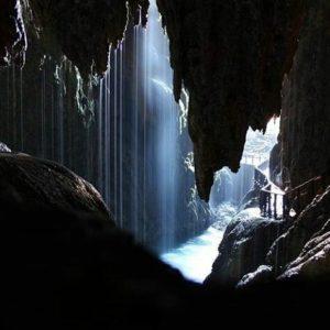 Es increíble la sensación de estar dentro de la cascada con el agua cayendo y ver la magia de la naturaleza. Merece la pena ir a sitios tan increíbles como este. ? ? ? ??  Gracias @caaroolaaiin por tu preciosa foto y por este #repost os invitamos a visitar su galería. ? ? ? ??  Síguenos y etiqueta tus fotos con el hashtag @MirAragon . . . · ? ? ? ??  Monasterio de Piedra, (Zaragoza) ? ? ? #monasteriodepiedra #interiordelacascadadecoladecaballo #nofiltros #cueva #finderural #cascada  #lovemountains  #casabiescas #montañas #naturaleza  #nature  #igersordesa  #miraragon  #igersguara  #igersformigal  #igersvalledetena  #huesca #teruel #zaragoza #aragon #españa #tesorosdearagon  #sitiosdearagon #sitiosconencanto #paisajesdearagon #viajar #instaordesa