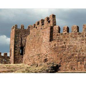 Castillo de Peracense (Teruel) ? ? ? ?? Gracias @turoljones por tu preciosa foto y por este #repost os invitamos a visitar su galería. ? ? ? ?? Síguenos y etiqueta tus fotos con el hashtag @MirAragon . . . · ? ? ? ?? Peracense (Teruel) ? ? ? #peracense #castillodeperacense #teruel #Aragón #aragon  #architecture #sierradealbarracin #albarracin #casabiescas #montañas #naturaleza  #nature  #miraragon  #autumn  #arquitecturamedieval #medieval #castle #castillo #teruelexiste #estaes_teruel #paisajesdearagon  #tourism #travel #viaje