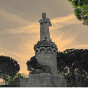 Monumento al Rey Alfonso I el Batallador, Zaragoza ? ? ? ?? Gracias @ragicur por su preciosa foto y por etiquetarnos. Os invitamos a visitar su galería. ? ? ? ?? Síguenos y etiqueta tus fotos con el hashtag @MirAragon . . . · ? ? ? ?? Zaragoza ? ? #parquegrande #Zaragoza  #parquegrandejoseantoniolabordeta #aragón  #zgz #aragon  #casabiescas #sunset #atardecer #miraragon  #architecture #sculpture  #viaje #travel #trip #street #calle #vintage  #history #sky #loves_aragon #tesorosdearagon #visitspain #wanderlust #photography #fotografia #españa #spain #zaragoceamos #town