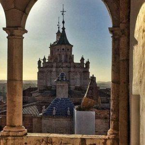 Catedral de Santa María de Mediavilla (Teruel) ? ? ?? Gracias @aleguijarro por tu preciosa foto y por este #repost. Os invitamos a visitar su galería. ? ? ? ?? Síguenos y etiqueta tus fotos con el hashtag @MirAragon . . . · ? ? ? ?? Teruel ? ? ? #teruel #catedral #cathedral  #Aragón #aragon  #architecture #casabiescas #montañas #naturaleza  #nature  #miraragon  #autumn  #arquitecturamedieval #medieval #medievalarchitecture #teruelexiste #estaes_teruel #paisajesdearagon #hiking #tourism #travel #viaje #view #vistas #España #spain #tourism #turismo