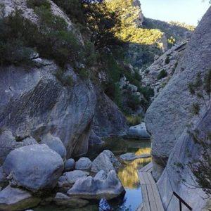 El Parrizal, Beceite (Teruel) ? ? ? ?? Gracias @nivemene por tus preciosas fotos y por este #repost. Os invitamos a visitar su galería. ? ? ? ?? Síguenos y etiqueta tus fotos con el hashtag @MirAragon . . . · ? ? ? ?? Beceite (Teruel) ? ? ? #Beceite  #Teruel #Aragón  #mountains #Matarraña  #casabiescas #montañas #naturaleza  #nature  #miraragon  #senderismo  #tourism  #town #rural  #Teruelexiste #paisaje #trekking #travel #viajar #hiking #architecture #landscape  #adventure #España #medieval #winter #Spain #wanderlust #instamatarranya