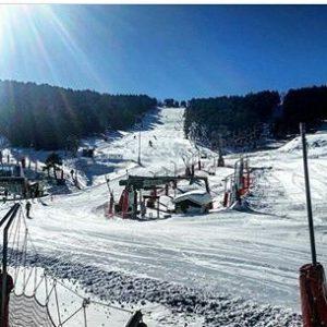 Día de esquí en Valdelinares. ? ? ?? Gracias @eyestobeblind por tu preciosa foto y por este #repost. Os invitamos a visitar su galería. ? ? ? ?? Síguenos y etiqueta tus fotos con el hashtag @MirAragon . . . · ? ? ? ?? Valdelinares (Teruel) ? ? ? #Valdelinares  #teruel #Aragón #aragon  #Sierra #sky #sierradegudar #otoño #esqui  #snow #nieve #casabiescas #montañas #naturaleza  #nature  #miraragon  #autumn #paisajesdearagon #hiking #tourism #travel #viaje  #vistas #landscape #España #spain #trekking #senderismo #tourism