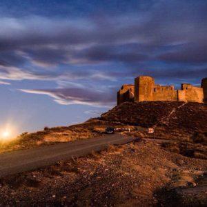 Castillo de Montearagon ? ? ? ?? Gracias @yoso76 por tu preciosa foto por etiquetarnos.  Os invitamos a visitar su galería. ? ? ? ?? Síguenos y etiqueta tus fotos con el hashtag @MiAragon . . . · ? ? ? ?? Aragòn ? ? ? #rinconesdelpirineo  #instaordesa  #valledetena  #pyrenees  #mountains #pirineos  #pirineoaragones  #casabiescas #montañas #naturaleza  #igersordesa  #miraragon  #igersformigal  #igersvalledetena  #igersguara #paisaje  #amantesdelanaturaleza  #travel  #viajar  #aventuras  #cielo  #alairelibre  #deviaje  #arquitectura #naturephotography  #naturaleza_spain  #outdoorphotography  #aragon  #igersspain