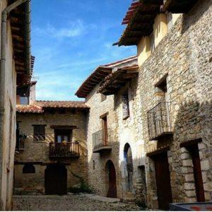 Mirambel entrará a formar parte de la Asociación de los Pueblos más bonitos de España en 2018 ? ? ?? Gracias @bichob por tus preciosas fotos y por etiquetarnos. Os invitamos a visitar su galería. ? ? ? ?? Síguenos y etiqueta tus fotos con el hashtag @MirAragon . . . · ? ? ? ?? Mirambel (Teruel) ? ? ? #Mirambel  #Teruel #Aragón  #mountains #Maestrazgo  #casabiescas #montañas #naturaleza  #nature  #instaordesa  #miraragon  #senderismo  #tourism  #town #rural  #Teruelexiste #paisaje #trekking #travel #viajar #hiking #architecture #landscape  #adventure #España #medieval #winter #Spain #wanderlust #capture