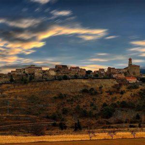 Municipio de la provincia de Zaragoza, comarca de Tarazona y el Moncayo. A orillas del río Huecha entre las localidades de Vera de Moncayo y Añon de Moncayo . ? ? ? ?? Gracias @carazru por tu preciosa foto por etiquetarnos. ?? Os invitamos a visitar su galería. ? ? ? ?? Síguenos y etiqueta tus fotos con el hashtag @MiAragon . . . · ? ? ? ?? Aragón ? ? ? #mountains  #casabiescas #montañas #naturaleza  #miraragon  #paisaje  #amantesdelanaturaleza  #travel  #viajar  #aventuras  #alairelibre  #deviaje  #arquitectura  #aragon  #estaes_aragon  #monentalspain  #fuentedelasamaritana #world_besttravel #mantisgram #ohkecopas #hairtouchzgz #your_worldcaptures #nature  #great_photoworld #pas_pictures #outstandingsig #top_unesco_photo #placeinthe_world #ig_discoveries #total_art_planet