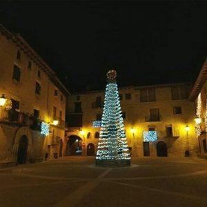 Despedimos la Navidad con esta preciosa estampa de @laianaju ? ?? Gracias por tus preciosas fotos y por este #repost. Os invitamos a visitar su galería. ? ? ? ?? Síguenos y etiqueta tus fotos con el hashtag @MirAragon . . . · ? ? ? ?? Cretas (Teruel) ? ? ? #cretas #Teruel  #Aragón  #matarraña #casabiescas #naturaleza  #pueblo  #nature  #miraragon  #tourism  #town #rural  #medieval  #paisaje #trekking #travel #viajar #hiking #architecture #landscape #trip #adventure #España #Navidad #Christmas  #winter #Spain #wanderlust #capture