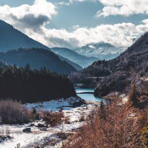 ?????Ve a buscarme a las montañas????? ? ? ?? Gracias @miguel_carabel  por tus preciosas fotos y por #repost . ? ??Os invitamos a visitar su galería. ? ?? Síguenos y etiqueta tus fotos con el hashtag @MirAragon . . . · ? ?? Aragon ? #MirAragon #rinconesdelpirineo  #benasque  #pyrenees  #mountains #pirineos  #pirineoaragones  #casabiescas #montañas #naturaleza  #paisaje  #amantesdelanaturaleza  #travel  #viajar  #aventuras  #cielo  #alairelibre  #deviaje  #naturaleza_spain  #loves_nature  #trailrunning #inspire  #aragon  #loves_aragon  #world_spain  #españaenpaisajes