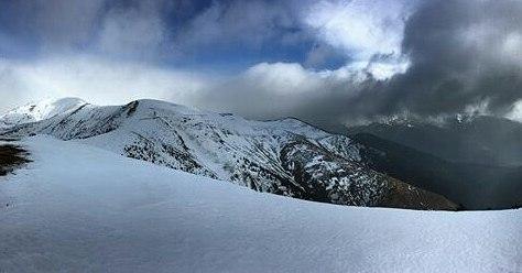 Preciosa panorámica de Las Blancas ? ? ?? Gracias @luisvi71 por tus preciosas fotos y por etiquetarnos. Os invitamos a visitar su galería. ? ? ? ?? Síguenos y etiqueta tus fotos con el hashtag @MirAragon . . . · ? ? ? ?? Borau (Huesca) ? ? ? #Borau #jacetania  #Aragón  #Huesca  #rinconesdelpirineo  #sky #senderismo  #pyrenees  #mountains #pirineos  #pirineoaragones  #casabiescas #montañas #naturaleza  #nature  #travel #miraragon  #adventure #hike #paisaje #trekking #travel #viajar #hiking #trip #España #snow #nieve #winter #huescapirineos