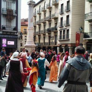 Teruel celebra este fin de semana Las bodas de Isabel de Segura, los famosos Amantes de Teruel ? ? ?? Gracias @clarotida por tus preciosas fotos y por etiquetarnos. Os invitamos a visitar su galería. ? ? ? ?? Síguenos y etiqueta tus fotos con el hashtag @MirAragon . . . · ? ? ? ?? Teruel ? ? ? #amantesdeteruel #Teruel  #Aragón  #medieval #casabiescas #montañas #naturaleza  #pueblo  #nature  #arquitecturamedieval  #miraragon  #tourism  #town #rural  #medieval  #paisaje #fiesta #travel #viajar #hiking #architecture #landscape #trip #adventure #España  #winter #Spain #wanderlust #capture