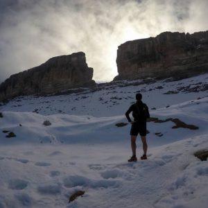 Naturaleza en estado puro que decir queridos Pirineos. ? ? ?? Gracias @deividsabi  por tus preciosas fotos y por #repost . ? ? ??Os invitamos a visitar su galería. ? ? ?? Síguenos y etiqueta tus fotos con el hashtag @MirAragon . . . · ? ? ??Aragón (Spain) ? ? #MirAragon  #montañas #naturaleza  #paisaje  #amantesdelanaturaleza  #travel  #viajar  #casabiescas #aventuras  #alairelibre  #deviaje  #spain  #nature  #spain  #love  #rinconesdelpirineo  #photographer  #naturaleza_spain  #outdoors  #adventure  #explorer  #winter  #stone  #bestintravel #naturaleza_aragon  #naturaleza_spain #brechaderolando  #france  #invierno  #winter  #running