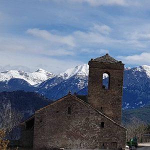 Naturaleza y arte ???? ? ? ?? Gracias @mvillapuyuelo  por tus preciosas fotos y por etiquetarnos. ? ? ??Os invitamos a visitar su galería. ? ? ?? Síguenos y etiqueta tus fotos con el hashtag @MirAragon . . . · ? ? ??Aragón (Spain) ? ? #MirAragon  #montañas #naturaleza  #paisaje  #amantesdelanaturaleza  #travel  #viajar  #casabiescas #aventuras  #alairelibre  #deviaje  #spain  #nature  #spain  #love  #adventure  #explorer  #winter  #stone  #winter  #españa  #aragón  #turismoaragon  #viajera  #blog  #blogger  #instaviajeros  #blogdeviajes