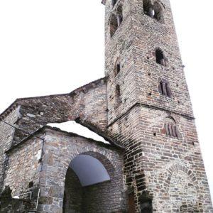 Iglesia de Oto,Pirineo Aragones ???? ? ? ?? Gracias @inaziomanuel  por tus preciosas fotos y por etiquetarnos. ? ? ??Os invitamos a visitar su galería. ? ? ?? Síguenos y etiqueta tus fotos con el hashtag @MirAragon . . . · ? ? ??Aragón (Spain) ? ? #MirAragon  #montañas #naturaleza  #paisaje  #amantesdelanaturaleza  #travel  #viajar  #casabiescas #aventuras  #alairelibre  #deviaje  #spain  #nature  #spain  #love  #adventure  #explorer  #winter  #stone  #winter  #españa  #aragón  #turismoaragon  #viajera  #historia  #photography  #instaviajeros  #oto