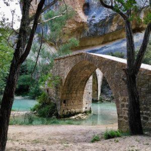Puente de Villacantal, nos encanta! ? ? ? ?? Gracias @casaurelia  por tus preciosas fotos y por etiquetarnos. ? ? ? ??Os invitamos a visitar su galería. ? ? ? ?? Síguenos y etiqueta tus fotos con el hashtag @MirAragon . . . · ? ? ? ??Aragón (Spain) ? ? ? #MirAragon  #montañas #istaordesa #naturaleza  #paisaje  #amantesdelanaturaleza  #travel  #viajar  #casabiescas #aventuras  #alairelibre  #deviaje  #spain  #nature  #love  #adventure  #explorer  #españa  #aragon  #turismoaragon  #viajera  #Spain #sierradeguara  #sitiosdehuesca  #sitiosbonitos  #alquezar  #casaurelia  #guara #turismorural #sitiosdeespaña