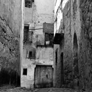 ??M A T A R R A Ñ A?? ? ? ? ?? Gracias @behindtheroll por su preciosa foto y por etiquetarnos. Os invitamos a visitar su galería. ? ? ? ?? Síguenos y etiqueta tus fotos con el hashtag @MirAragon . . . · ? ? ? ?? Valderrobres (Teruel) ? ? #aragon  #miraragon  #Aragón  #España  #casabiescas #architecture  #viaje  #travel  #calle #arquitectura  #tesorosdearagon #visitspain  #wanderlust #photography  #alojamientosalcañiz #naturaleza  #instagood  #nature  #streetphotography  #tourism  #turismo  #worldplaces  #iamtraveler  #valderrobres  #teruel  #spain