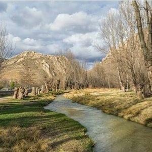 El Guadalope a su paso por Aliaga, donde la geología tiene un gran valor. ? ? ? ?? Gracias @agonfra por tus preciosas fotos y por etiquetarnos. Os invitamos a visitar su galería. ? ? ? ?? Síguenos y etiqueta tus fotos con el hashtag @MirAragon . . . · ? ? ? ? ?? Aliaga (Teruel) ? ? ? #aliaga #Aragón  #teruel #miraragon  #casabiescas #maestrazgo #view  #senderismo  #chopocabecero #mountains #sierra #turismo #montañas #naturaleza  #nature  #travel #adventure #hike #capture #paisaje  #trekking  #travel  #viajar #hiking #trip #parquegeologico #España #unesco #river
