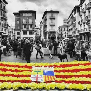 ¡¡¡FELIZ DIA DE ARAGON!!! ? ? ? ?? Gracias @bichob por tus preciosas fotos y por etiquetarnos. Os invitamos a visitar su galería. ? ? ? ?? Síguenos y etiqueta tus fotos con el hashtag @MirAragon . . . · ? ? ? ? ?? Teruel ? ? ? #Aragón  #teruel #miraragon  #casabiescas #torico #sanjorge #diadearagon #view  #senderismo  #mountains #sierra #turismo #montañas #naturaleza  #nature  #travel #adventure #hike #capture #paisaje  #trekking  #plaza #Instagood  #capture #viajar #hiking #trip #aragon #fiesta #España #Spain