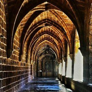 La lluvia se nota en el Monasterio de Piedra. ? ? ? ?? Gracias @maculili por su preciosa foto y por etiquetarnos. Os invitamos a visitar su galería. ? ? ? ?? Síguenos y etiqueta tus fotos con el hashtag @MirAragon . . . · ? ? ? ?? Nuévalos (Zaragoza) ? ? #nuevalos #aragon  #Zaragoza  #miraragon  #Aragón  #España  #casabiescas #architecture  #monasteriodepiedra #viaje #travel #trip #waterfall #cascada  #hiking  #arquitectura #tesorosdearagon #visitspain #wanderlust #photography #hike #naturaleza #instagood  #nature #tourism #turismo #senderismo  #spain #capture