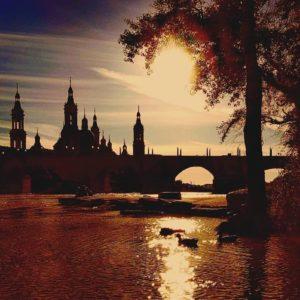 El amor del pasado es solo un recuerdo.El amor del futuro es solo imaginación. Solamente aquí y ahora es posible amar. - Buda -- ????? ? ? ? ?? Gracias @ragicur por tus preciosas fotos y por #repost . Os invitamos a visitar su galería. ? ? ? ?? Síguenos y etiqueta tus fotos con el hashtag @MirAragon . . . · ? ? ? ? ?? Zaragoza ? ? ? #zaragoza #Aragón  #miraragon  #casabiescas  #senderismo  #pirineos  #montañas #naturaleza  #travel #adventure #hike #capture #paisaje #trekking  #viajar  #España  #architecture #mañicosviajeros  #clouds #picoftheday #landscape #zgzciudadana #zgz #zaragozadestino  #loves_aragon #unbuendiaenzaragoza #zaragozaturismo #estaes_aragon #estaes_espania