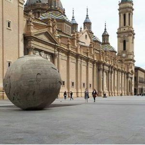 Plaza de El Pilar. ? ? ? ?? Gracias @mieses85 por su preciosa foto y por este #repost  Os invitamos a visitar su galería. ? ? ? ?? Síguenos y etiqueta tus fotos con el hashtag @MirAragon . . . · ? ? ? ?? Zaragoza ? ? #aragon  #Zaragoza  #miraragon  #Aragón  #España  #casabiescas #basilicadelpilar  #architecture  #street  #viaje #travel #trip #facade  #elpilar #arquitectura  #visitspain #wanderlust #photography #hike #naturaleza #instagood  #nature #streetphotography #instagood #tourism #turismo #senderismo  #spain #capture
