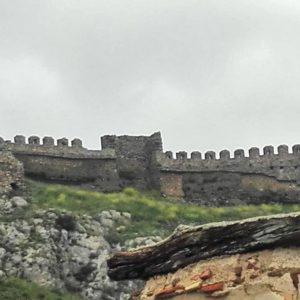 Castillo, creo que, medieval de Talamantes ? ? ? ?? Gracias @karmel.tz1  por tus preciosas fotos y por etiquetarnos. Os invitamos a visitar su galería. ? ? ? ?? Síguenos y etiqueta tus fotos con el hashtag @MirAragon . . . · ? ? ? ?? Aragòn ? ? ? #MirAragon #Aragón  #travel #paisaje  #viajar  #España  #architecture #turismoaragon  #casabiescas #castillo #castilloenruinas #Talamantes #aragon #spain #Moncayo #lansdcape #paisaje #naturaleza #nature #natura #naturephotography #landscape #paseo #senderismo #naturelover #castle #fotografia #photograpye #photonaturelover #turismorural