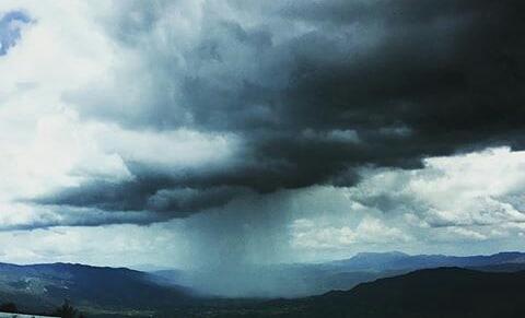 Preciosas tormentas que recorren nuestra comunidad. ? ? ?? Gracias @luisvi71 por tus preciosas fotos y por etiquetarnos. Os invitamos a visitar su galería. ? ? ? ?? Síguenos y etiqueta tus fotos con el hashtag @MirAragon . . . · ? ? ? ? ?? Pirineos (Huesca) ? ? ?  #Aragón  #Huesca  #miraragon  #casabiescas #rinconesdelpirineo  #view  #senderismo  #pyrenees  #mountains #pirineos  #pirineoaragones  #montañas #naturaleza  #nature  #travel #adventure #hike #capture #paisaje #storm  #trekking  #travel #walk #viajar #hiking #trip  #España #waterfall #primavera #spring