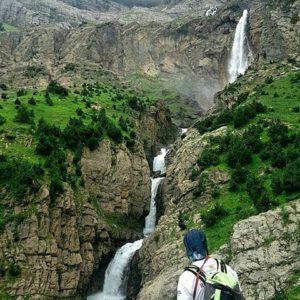 Valle de Pineta. ? ? ?? Gracias @su_maysigue por tus preciosas fotos y por etiquetarnos. Os invitamos a visitar su galería. ? ? ? ?? Síguenos y etiqueta tus fotos con el hashtag @MirAragon . . . · ? ? ? ? ?? Valle de Pineta (Huesca) ? ? ? #valledepineta #Aragón  #aragon #Huesca  #miraragon  #casabiescas #rinconesdelpirineo  #view  #senderismo  #pyrenees  #mountains #pirineos  #pirineoaragones  #montañas #naturaleza  #nature  #travel #adventure #hike #capture #paisaje  #trekking  #travel  #viajar #hiking #trip  #España #sport #cascada #waterfall