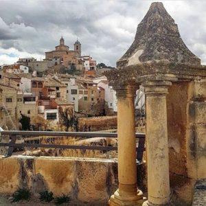 La arquitectura del Bajo Aragón. ? ? ? ?? Gracias @alojamientosalcaniz por tus preciosas fotos y por etiquetarnos. Os invitamos a visitar su galería. ? ? ? ?? Síguenos y etiqueta tus fotos con el hashtag @MirAragon . . . · ? ? ? ? ?? Castelserás (Teruel) ? ? ? #castelseras #teruel #aragon #miraragon  #casabiescas #bajoaragon #tourism #senderismo  #mountains #house #rural #montañas #naturaleza  #nature  #travel #adventure #hike #capture #paisaje #trekking  #Instagood  #photo #architecture #españa #spain #street #hiking #trip #alojamientosalcañiz #summer