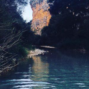 Precioso nuestro querido #ríovero #alquezar ? ? ? ??: Gracias @casaurelia por tus preciosas fotos y por etiquetarnos. Os invitamos a visitar su galería. ? ? ? ?? Síguenos y etiqueta tus fotos con el hashtag @MirAragon . . . · ? ? ? ? ?? Aragón ? ? ?  #aragon #miraragon  #casabiescas #senderismo  #mountains #house #rural #montañas #naturaleza  #nature  #travel #adventure  #casaurelia #rutadelaspasarelasdelriovero #somontano #sierradeguara #aragonturismo #guarasomontano #turismoproximidad #turismorural #calidadruralaragón #asi_es_aragon #lospueblosmbe #igersaragon  #igersguara #estaes_aragon #estaes_espania