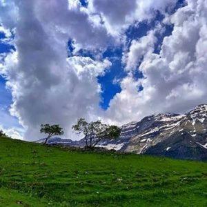 Precioso Valle de La Larri. ? ? ?? Gracias @2mrs por tus preciosas fotos y por etiquetarnos. Os invitamos a visitar su galería. ? ? ? ?? Síguenos y etiqueta tus fotos con el hashtag @MirAragon . . . · ? ? ? ? ?? Pirineos (Huesca) ? ? ? #Aragón  #aragon #Huesca  #miraragon  #casabiescas #lalarri #valley #view  #senderismo  #pyrenees  #mountains #pirineos  #pirineoaragones  #montañas #naturaleza  #nature  #travel #adventure #hike #capture #paisaje  #trekking  #sky  #viajar #hiking #trip  #España #sport #summer #verano