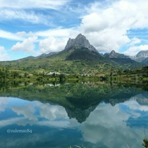 Reflejos en el embalse de Lanuza. ? ? ?? Gracias @zulema184 por tus preciosas fotos y por etiquetarnos. Os invitamos a visitar su galería. ? ? ? ?? Síguenos y etiqueta tus fotos con el hashtag @MirAragon . . . · ? ? ? ? ?? Lanuza (Huesca) ? ? ? #lanuza #Aragón  #aragon #Huesca  #miraragon  #casabiescas #water #view  #senderismo  #pyrenees  #mountains #pirineos  #pirineoaragones  #montañas #naturaleza  #nature  #travel #adventure #hike #capture #paisaje  #trekking  #sky  #viajar #hiking #trip  #España #sport #summer #verano