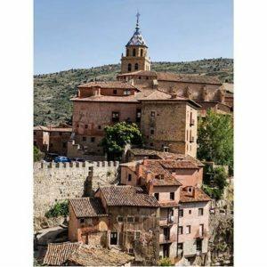 Uno de los pueblos bonitos de España. ? ? ? ?? Gracias @turoljones por tus preciosas fotos y por etiquetarnos. Os invitamos a visitar su galería. ? ? ? ?? Síguenos y etiqueta tus fotos con el hashtag @MirAragon . . . · ? ? ? ? ?? Albarracín (Teruel) ? ? ? #Aragón  #teruel #albarracin #miraragon  #casabiescas #town #sierradealbarracin #senderismo  #mountains #rural #montañas #naturaleza  #nature  #travel #autumn  #adventure #hike #capture #paisaje  #trekking  #Instagood  #photo #aragon #españa #spain #pueblo #hiking #trip #viaje