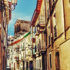 Levántate cada mañana con el pensamiento de que algo maravilloso va a suceder. ? ? ? ?? Gracias @movilphotography por su preciosa foto y por etiquetarnos.  Os invitamos a visitar su galería. ? ? ? ?? Síguenos y etiqueta tus fotos con el hashtag @MirAragon . . . · ? ? ? ?? Aragòn, Jaca ? ? ? #Aragon  #MirAragon  #Aragón  #España  #casabiescas #viaje #travel  #visitspain  #photography  #naturaleza  #nature  #tourism #senderismo  #spain  #rinconesdelpirineo #pirineoaragones  #total_spain #jacetania  #loves_aragon #estaes_aragon #igersaragon #españa  #conociendo_espana #jaca #shotoniphone #procamapp  #photooftheday #snapseedmob #pirineos