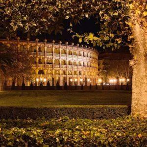 La fotografía nocturna tiene un encanto especial. ? ? ?? Gracias @carlosrochavale por su preciosa foto y por este #repost  Os invitamos a visitar su galería. ? ? ? ?? Síguenos y etiqueta tus fotos con el hashtag @MirAragon . . . · ? ? ? ?? Zaragoza ? ?  #aragon  #Zaragoza  #miraragon  #Aragón  #España  #casabiescas  #architecture #viaje #travel #trip #facade  #town #night #noche  #ruraltop  #otoño  #fall  #lospueblosmbe  #europe  #photography #hike #naturaleza #instagood #nature #streetphotography  #tourism #walk  #spain #capture