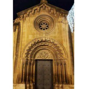 Monasterio de San Pedro el Viejo, un precioso románico del siglo XII. ? ? ? ?? Gracias @charotaborda por tus preciosas fotos y por etiquetarnos. Os invitamos a visitar su galería. ? ? ? ?? Síguenos y etiqueta tus fotos con el hashtag @MirAragon . . . · ? ? ? ? ?? Huesca ? ? ? #Aragón  #Huesca #christmas #art #miraragon  #casabiescas #medieval  #architecture #arte  #romanico #sierra #naturaleza  #nature  #travel #autumn  #adventure #hike #capture #trip #navidad #Instagood  #photo #aragon #españa #spain #pueblo #hiking #ruraltop #viaje #walk