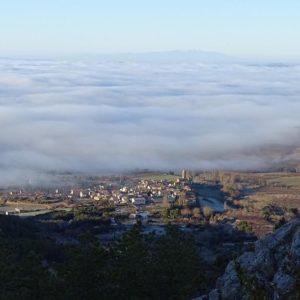 Una vista preciosa desde el cielo .. ? ? ? ??: Gracias @forcadasusana por tus preciosas fotos y por #repost . Os invitamos a visitar su galería. ? ? ? ?? Síguenos y etiqueta tus fotos con el hashtag @MirAragon . . . · ? ? ? ?? Aragòn ? ? ? #Aragón  #MirAragon  #Huesca #Zaragoza #Teruel  #mountains  #naturaleza  #nature  #travel #autumn  #adventure  #casabiescas  #aragon #ruraltop  #spain  #conociendoespaña #landscape #travelingram #sunset #roadtrip #cestouni #europe  #montaña #senderismo #senderismodemontaña #naturaleza #ruta #pirineos #turismo