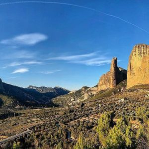 Repost By juditgp: ??MALLOS DE RIGLOS ?? ? ? ? ??: Gracias @juditgp por tus preciosas fotos y por #repost . Os invitamos a visitar su galería. ? ? ? ?? Síguenos y etiqueta tus fotos con el hashtag @MirAragon . . . · ? ? ? ?? Aragòn ? ? ? #Aragón  #MirAragon  #Huesca #Zaragoza #Teruel  #mountains  #naturaleza  #nature  #travel #autumn  #adventure  #casabiescas  #aragon #ruraltop  #mallosderiglos  #miradordelosbuitres  #passportready  #naturephotography  #mountains #sunset #traveler  #beautifuldestinations  #sky #spain #amazingplaces #climbing  #stone #trekking #hiking #trail